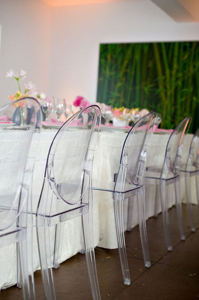 Chaise transparente thaleia for Table et chaise transparente